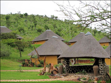 South Africa - Hannah Game Lodge, round cottages